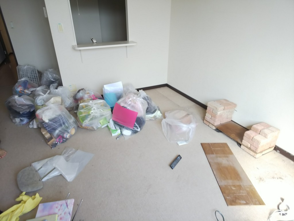 【福山市加茂町】家庭ごみ、レンガ、板などの回収☆即日対応の迅速さと作業の丁寧さにご満足いただけました!